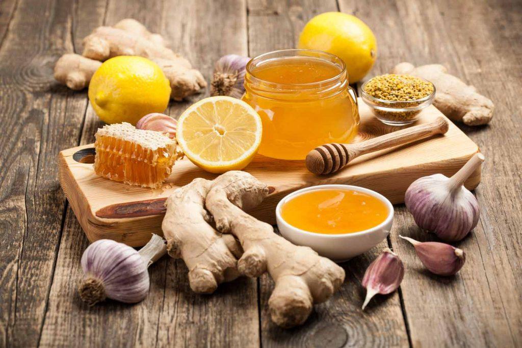 Отвара от лук, чесън и мед срещу респираторни проблеми